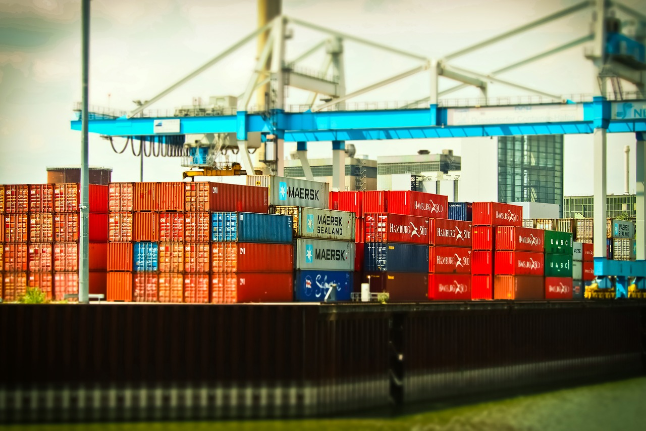 budget-shippingcontainer-img