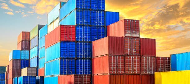 option-storing-shippingcontainers
